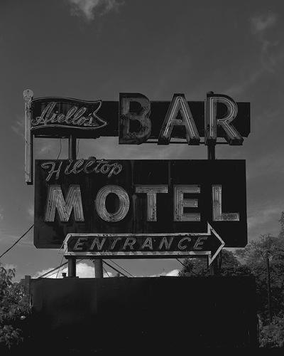Hilltop Motel Photo