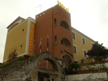 Hotel Ristorante Le Camene Photo