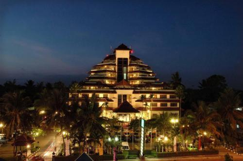 Grand Quality Hotel Yogyakarta Photo