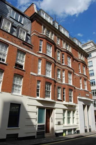Mayfair Court Serviced Apartments Photo