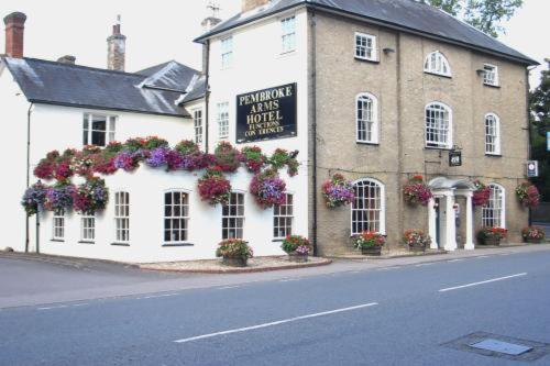 Pembroke Arms Hotel in Salisbury, Wiltshire, South West England