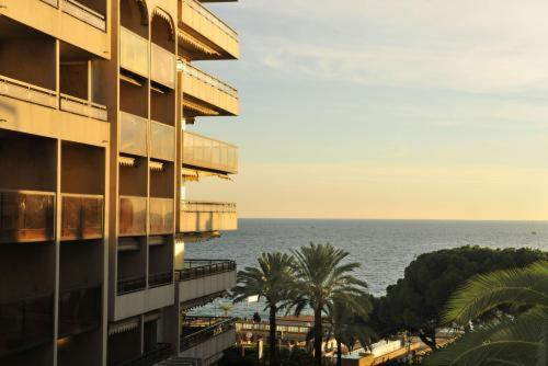 R sidence beach m diterran e hotel juan les pins low for Hotels juan les pins