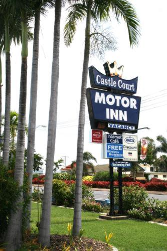 Castle Court Motor Inn Photo