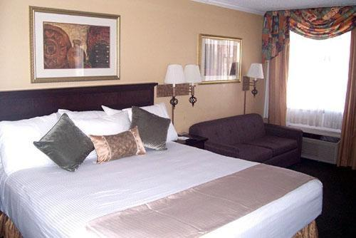 InnSuites Hotel and Suites Tucson City Center Photo