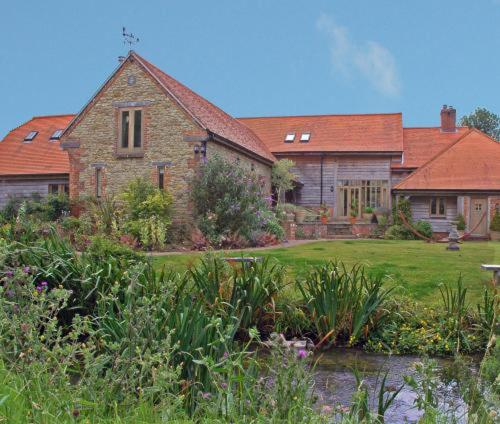 Brook Barn Country House Photo