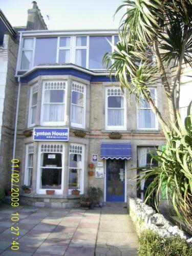 Lynton Guest House in Newquay, Cornwall, South West England