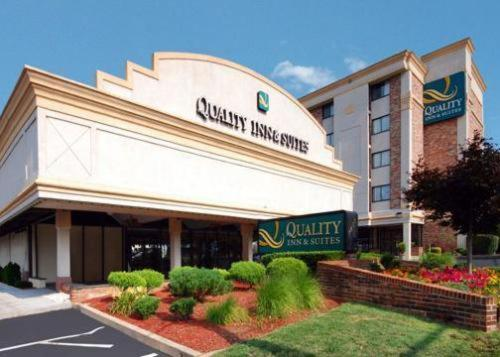 Quality Inn and Suites Photo