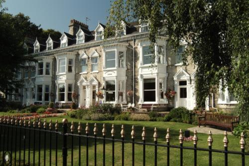 Wheatlands Lodge Hotel in York, North Yorkshire, North East England
