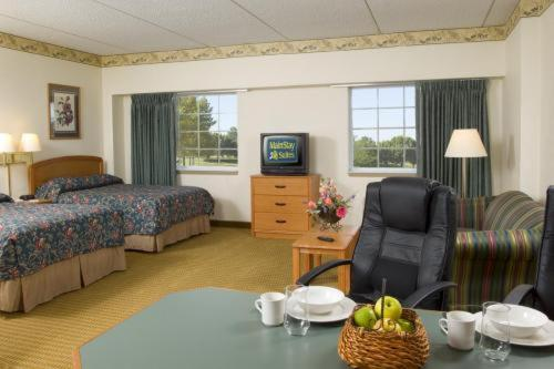Mainstay Suites Photo