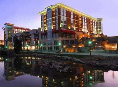 Hampton Inn &amp; Suites Greenville-Downtown-Riverplace Photo