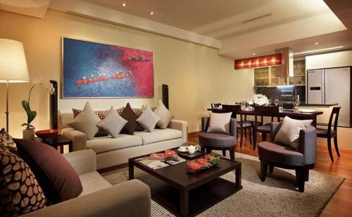Intercontinental Asiana Saigon Residences Photo