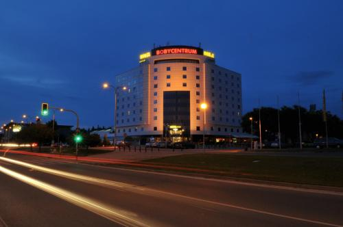 Hotel Bobycentrum and Casino Photo