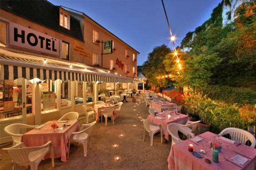 Hotels Lacave