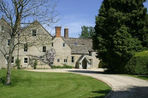 Manor House Bed and Breakfast in Malmesbury, Wiltshire, South West England