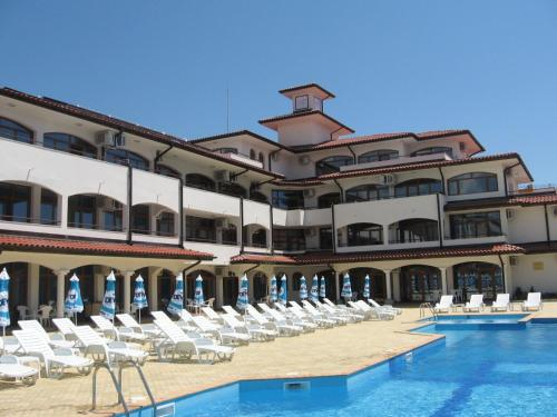 about Hotel Helena 2 info