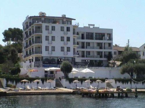 about Ozer Hotel info