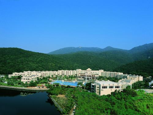 about Cactus Resort Sanya by Gloria info