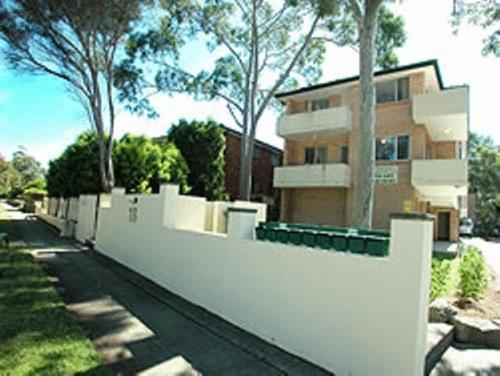 North Parramatta Waldorf Apartment - Church Street Photo