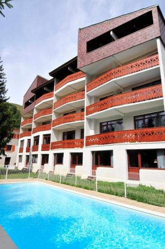 Residhotel edelweiss lanchatra low rates no booking fees for Resid hotel