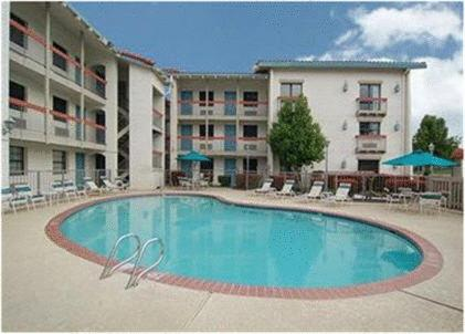 Budgetel Inn and Suites Memphis Photo