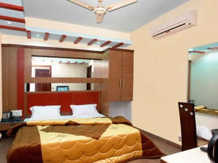 Hotel Raunak Plaza Photo