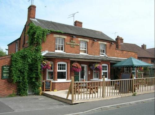 The Emmbrook Inn in Sindelsham, Berkshire, Central England