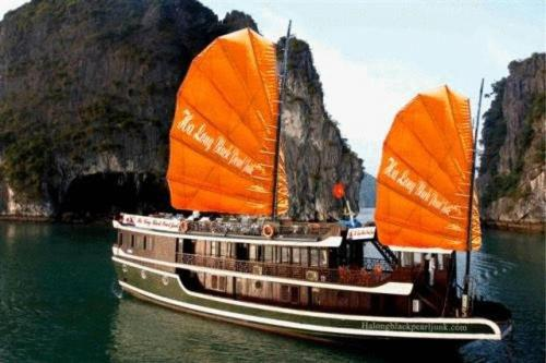 Halong Black Pearl Junks Photo