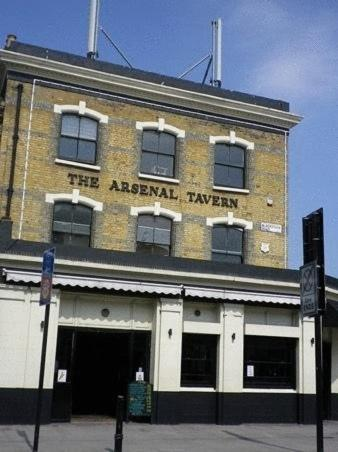 Arsenal Tavern Hostel in London, Greater London, South East England