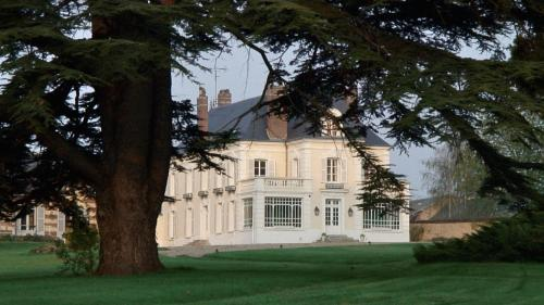 Chateau De Requiecourt Photo