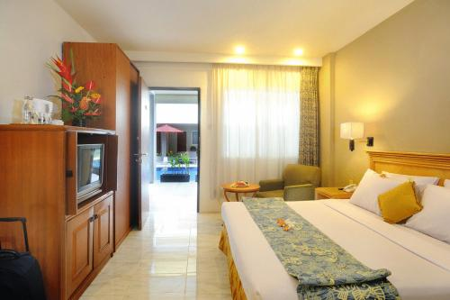 Kuta Station Hotel & Spa Photo