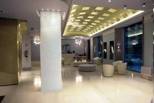 Mercure Madrid Santo Domingo Photo