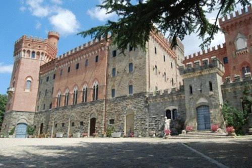 online booking Subbiano lodging Castello Di Valenzano