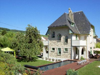 Hotels Reuil
