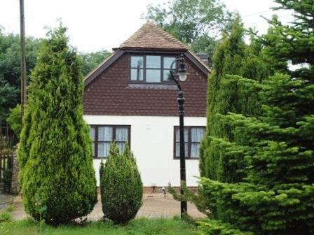 Amadis Bed And Breakfast in Canterbury, Kent, South East England