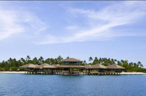 Dos Palmas Island Resort & Spa Photo