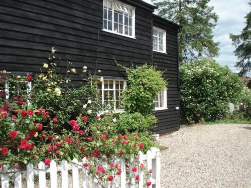 2 Bursteads Cottages in Sawbridgeworth, Hertfordshire, West England