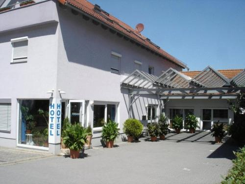 reservation Lappersdorf lodging Hotel Papillon