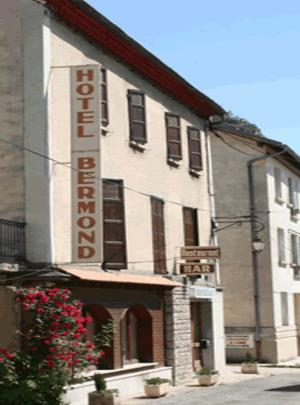 Hotels Saint Julien en Beauchene