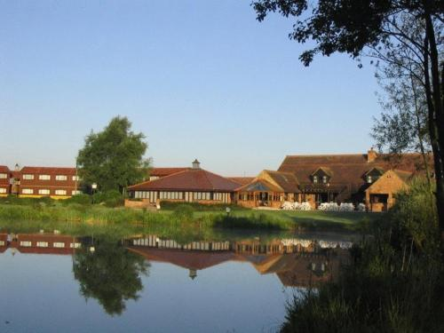 Kingfisher Country Club in Deanshanger, Buckinghamshire, Central England