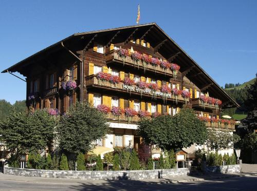 Hotel Saanerhof Photo