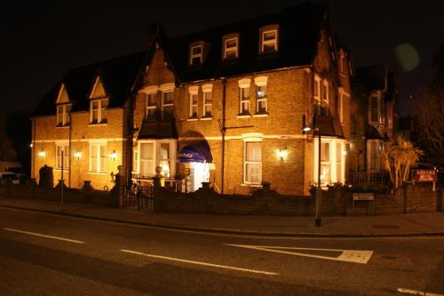 Kirkdale Hotel in Croydon, Surrey, South East England