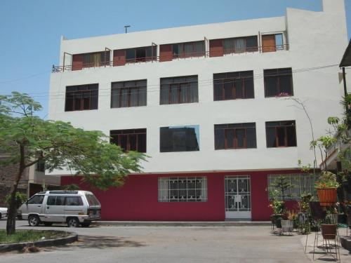 Hostal Victor - Lima Airport Hostel Photo