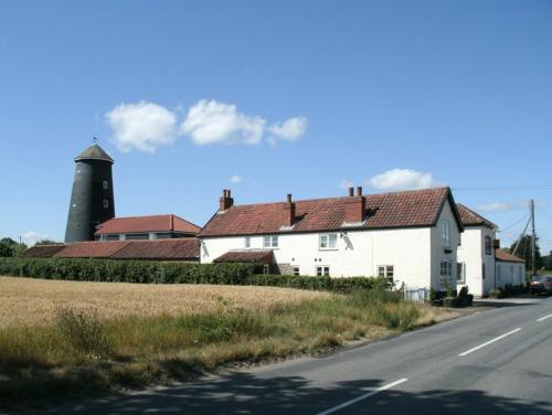 Mill Cottages Photo