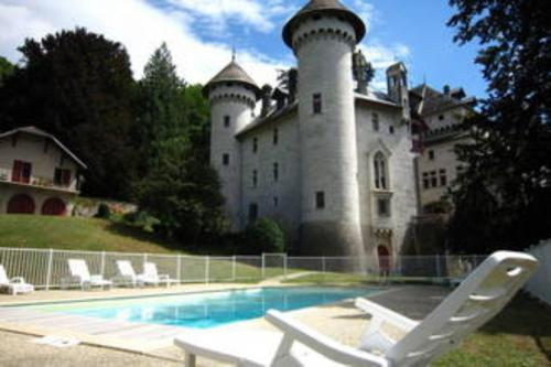 Chateau Lapeyrouse Photo