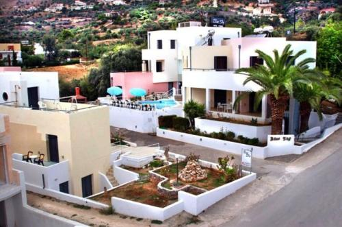 Blue Sky Hotel Apartments - Hotels in Greece