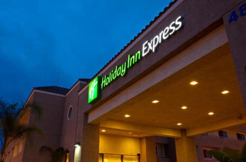Holiday Inn Express Perris-East Photo