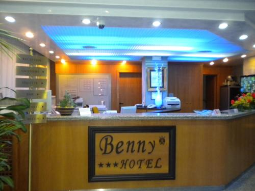 Benny Hotel Photo