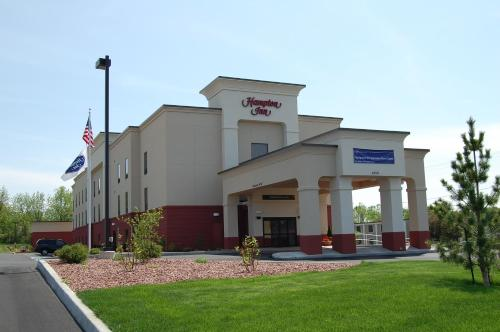 Hampton Inn Geneseo Photo