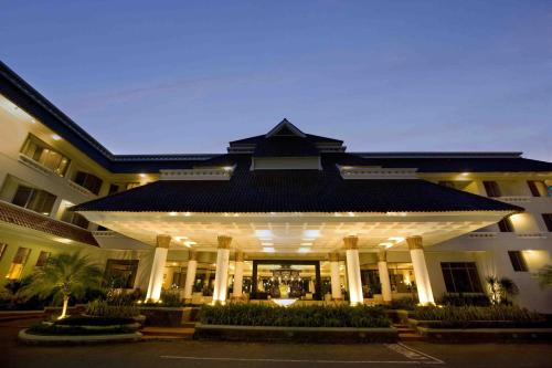 Hotel Santika Premiere Jogja Photo