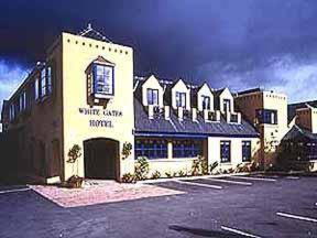 White Gates Hotel Photo